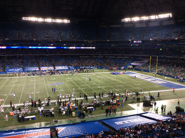 Five minutes to kickoff at Rogers Centre. An absolute disgrace to #Bills and the NFL. http://t.co/aIUiznYZQv