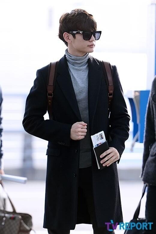 2bcb6188ea18 Best Airport Fashion     - Celebrity Photos - OneHallyu