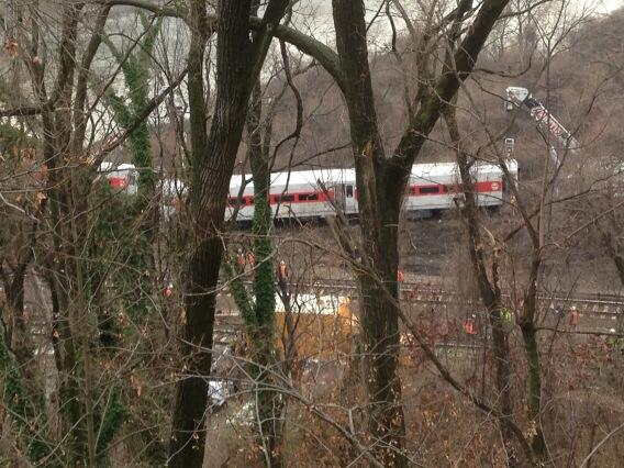 Twitter / peterhaskell880: 2nd car from #MetroNorth derail ...
