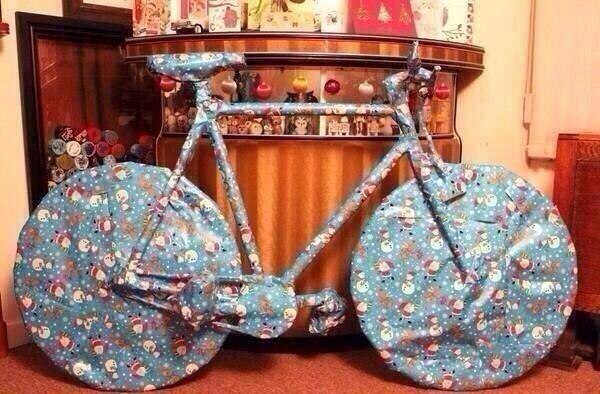 omg i hope it's an iphone http://t.co/leHKl4zUpO