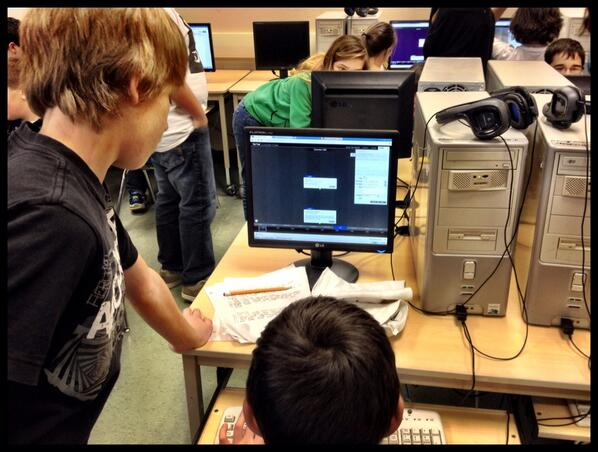 Our gr.7 students mentoring our gr.8s on how to use Tiki Toki to create interactive timelines #tvadmin #edtechlearn http://t.co/QM6voHhJwB
