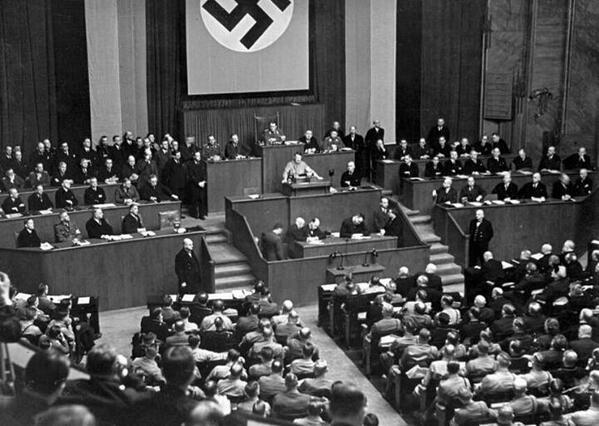 """アッサム山中:安倍戦争内閣にNO!! on Twitter: """"秘密保護法は憲法の根幹を破壊する法律だ。麻生の言うナチスに学ぶ不正改憲術。つまり一片の法律で憲法の効力を停止させたナチスの全権委任法と同じ手口なのだ。国民は汚い謀略政治を許さない。 http://t.co/SoA5o0No07 @AbeShinzo #STOPSECRETBILL"""""""