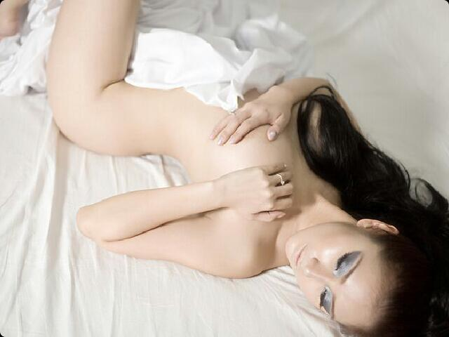 nude-good-evening