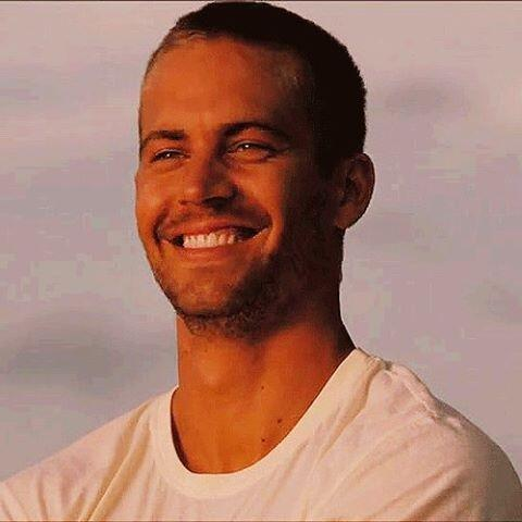 #PaulWalker's Life Honored With Fast & Furious 6 DVD; Portion Of Sales To Go To His Charity! http://t.co/nHZIThOMzQ http://t.co/GBAOhZXFk6