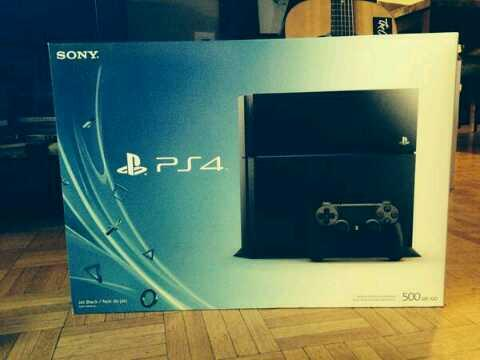 Girls upload high tops saying 'my babies' so I'm uploading my ps4 that's arrived with the caption 'MY BABY' http://t.co/VNLB85iuVe
