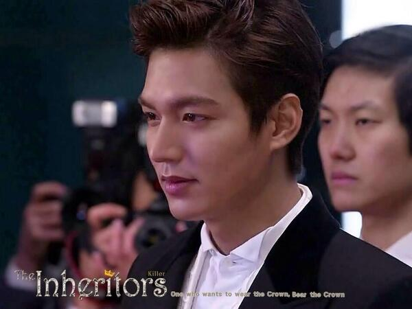 "Fans Of Lee Min Ho On Twitter Kim Tan With His New Hairstyle Looking Damn Handsome In Theheirs ̃ì†ìžë""¤ Ep18 In Front Of The Reporters Cr Killer Http T Co 3q4bxkbsbo"