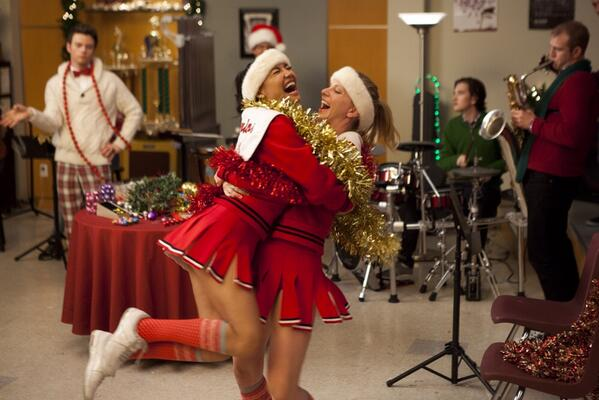Excited Heather is back for episode 100! And tonight on Glee it's Christmas!! In honor of both here's a #TBT http://t.co/3u0ntWZQ1n