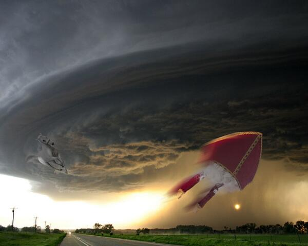 Brian Florea Sur Twitter Hoor De Wind Waait Door De Bomen Sint Storm Sinterklaas Http T Co Dqpz0nmj3a