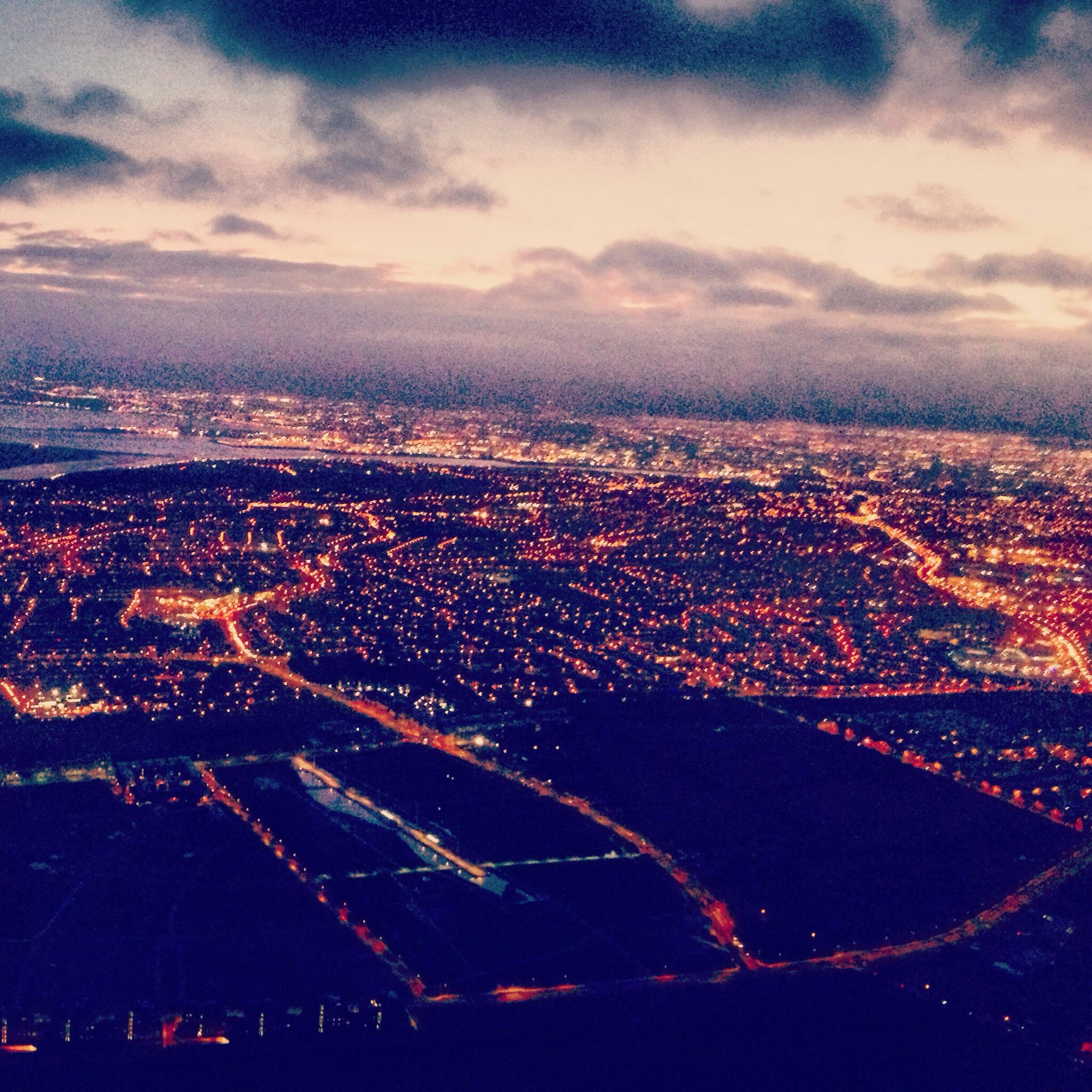 RT @fayemckeever: Dublin from the sky 🍀 http://t.co/xDwW6MbTjH