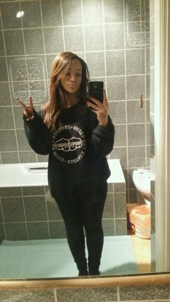 "RT @TeamRielle: ""@rielleUK: It's baggy jumper no make up chill day today http://t.co/GWYYTENVju"" My everything."
