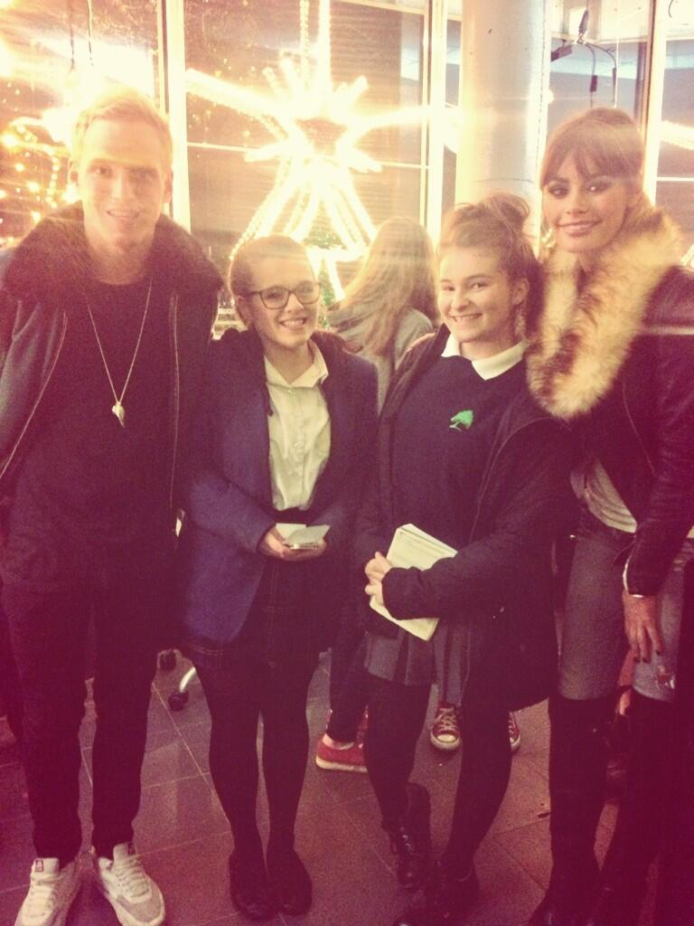 RT @Laurennjadexo: So lovely meeting @Chloe_Sims & @JamieLaing_UK today! You were both so nice to us☺️ http://t.co/uMAEsSNdLH