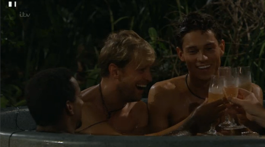 RT if you fancy joining #TeamKian and @JoeyEssex_ is the #imacelebrity jungle hot tub! http://t.co/yGyvq4zMCM