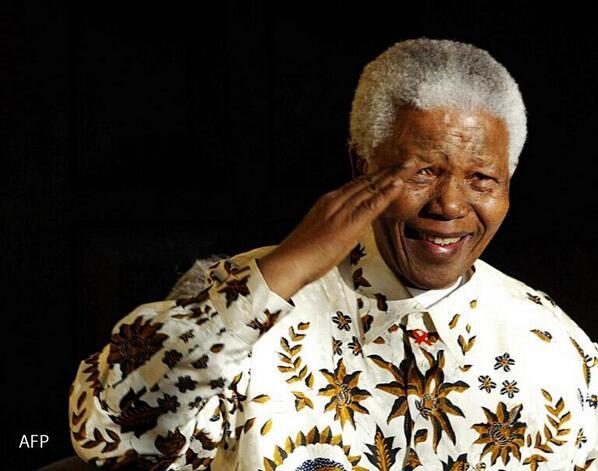 وفاة نلسون ماندلا أول رئيس أفريقي منتخب لجنوب افريقيا http://t.co/hNnIZ3io9Z