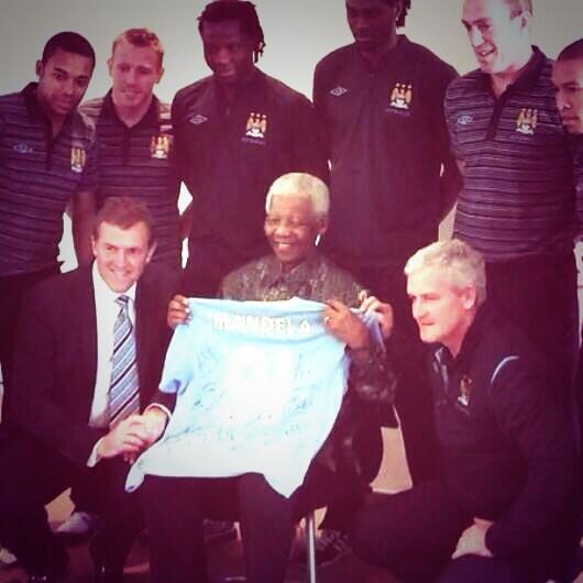 RIP Nelson Mandela. A truly great man. Thoughts with his family. http://t.co/EjH6bBLk4t