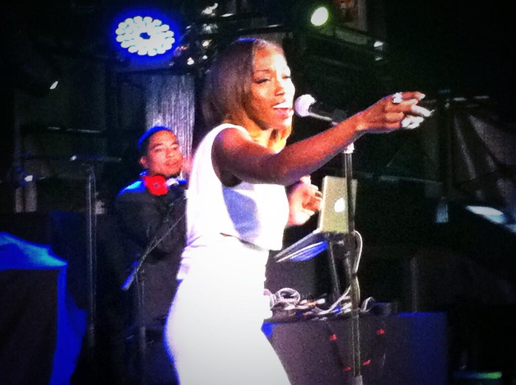 "RT @CarpeNoctemPR: Great performance @EstelleDarlings and ""Freak"" brought the house down! @Delta #deltapresents http://t.co/GoOMo3mVyp"