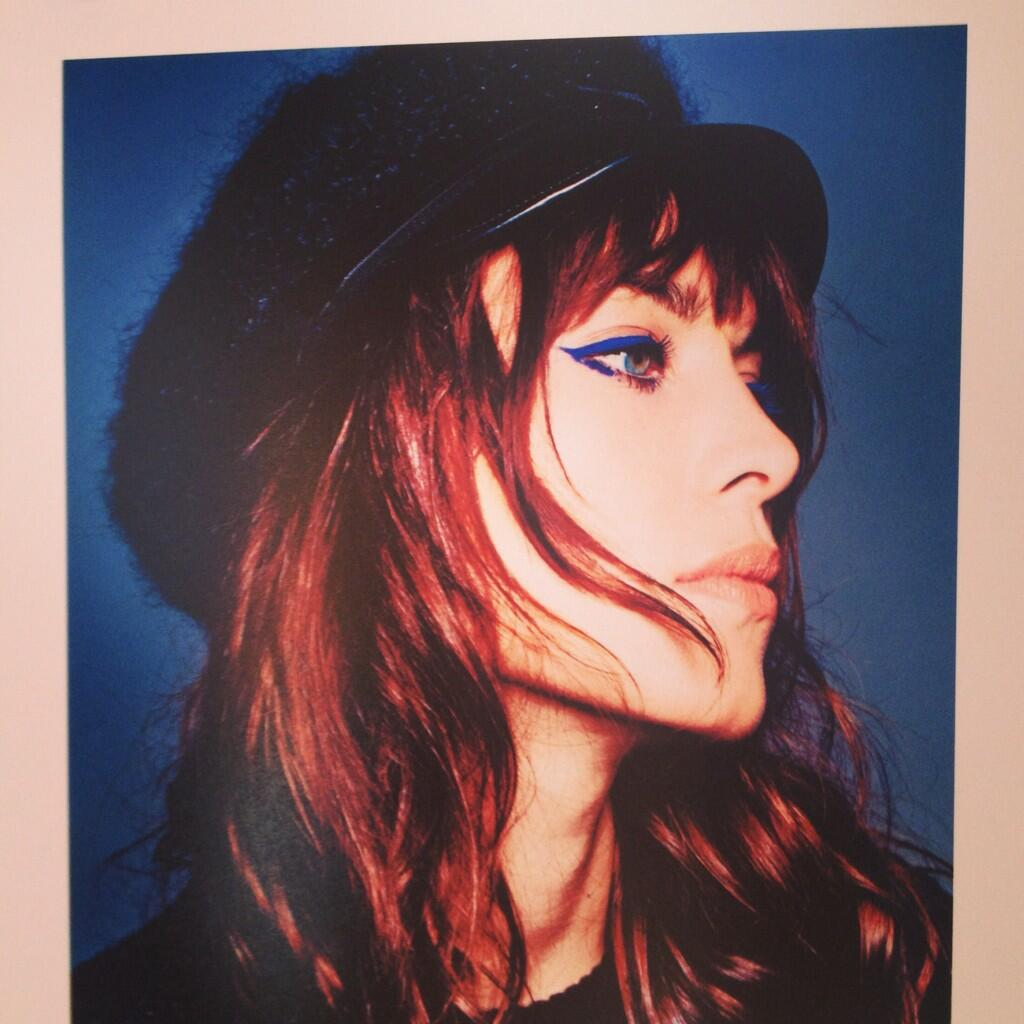 A photo from my @GlamourMagUK @Eyeko shoot :-) #caps http://t.co/NLqnlqSu5T