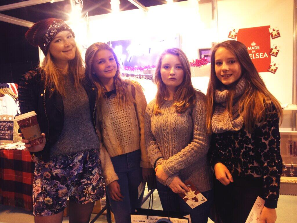 RT @myflashtrash: @amberatherton spotted at #ClothesShowLive with 3 super cute chicks! #loveit http://t.co/h8DjRPoavf