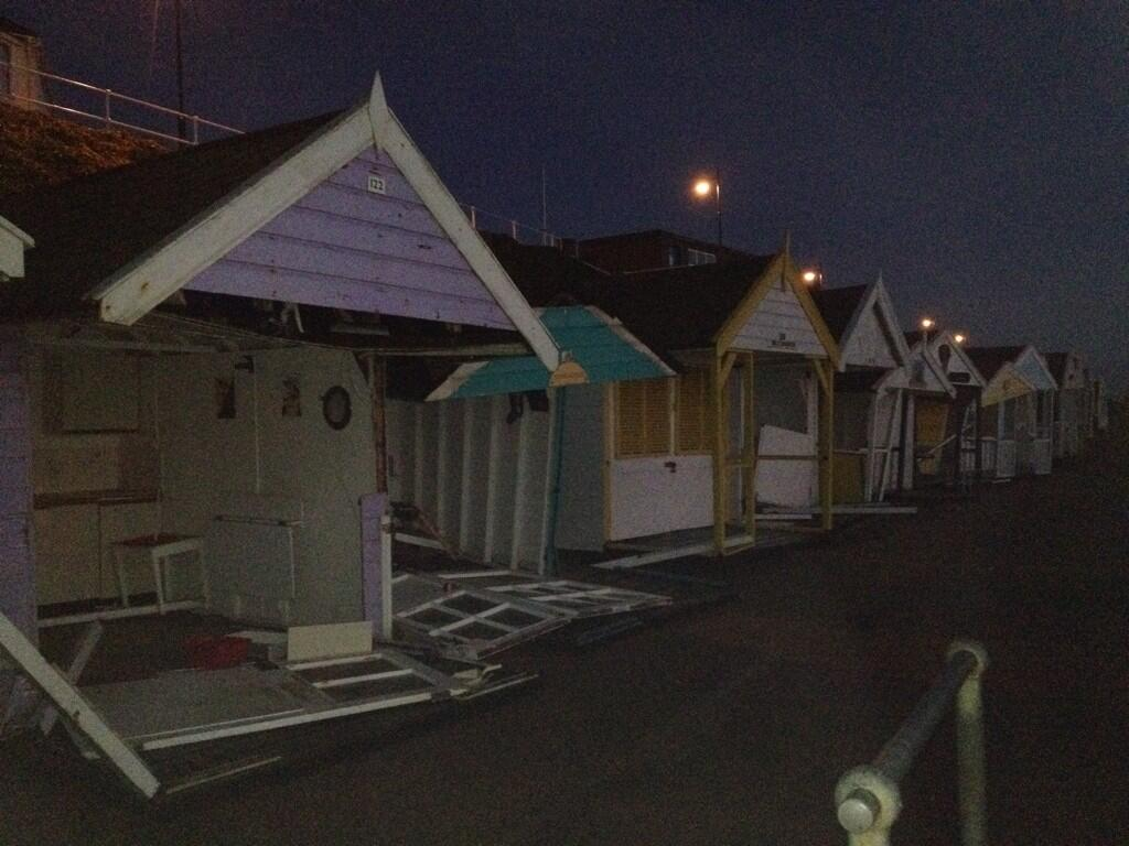 The Southwold beach huts this morning. #storm (Thanks @2magpiesbakery). http://t.co/Y4k319LiLJ