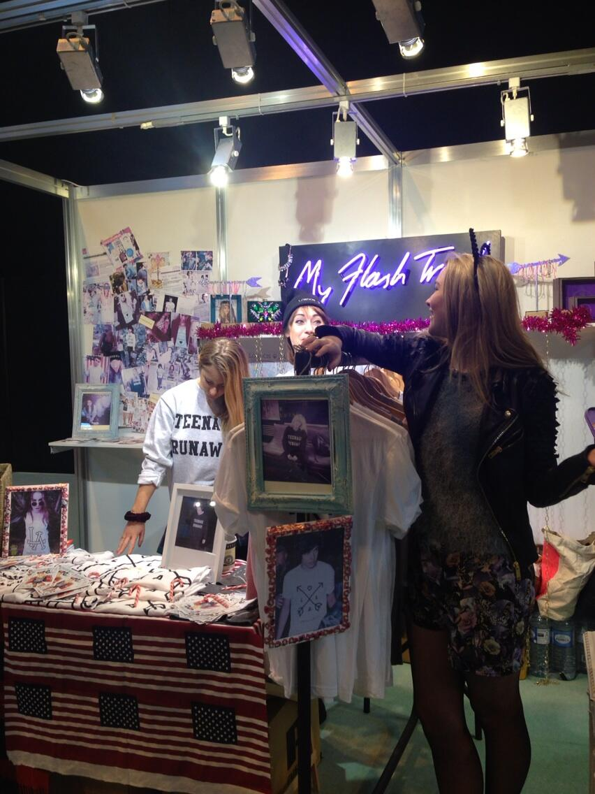 Big lolz @clothesshow today with @myflashtrash #BFFs @LondonLovesLA D3 Hall 19 ✌💕 #jewellery #tees http://t.co/sjNGp2f9yq
