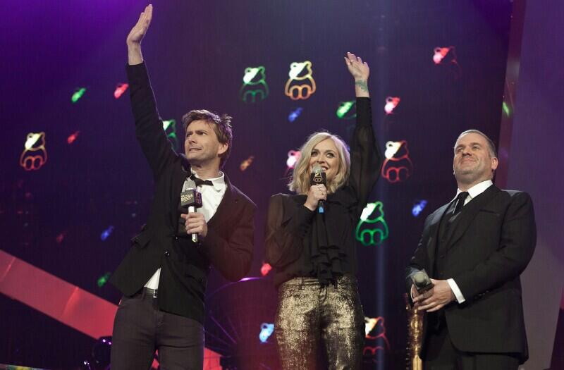 David Tennant Photo Of The Day:  Co-hosting 'Children In Need Rocks' with Fearne Cotton & Chris Moyles - Nov 2011. http://t.co/ffTOoEwJDF