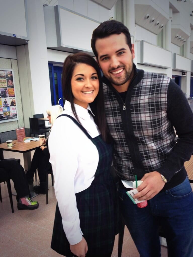 """@natashabriggs_: awww what a beautiful man! @RickyRayment http://t.co/3VDHKa3WtR"" thank u great to meet u"