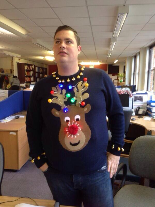 RT @dannyRegan86: @MariaFowler thoughts? #xmasjumper #2013 http://t.co/D5e1zKctED