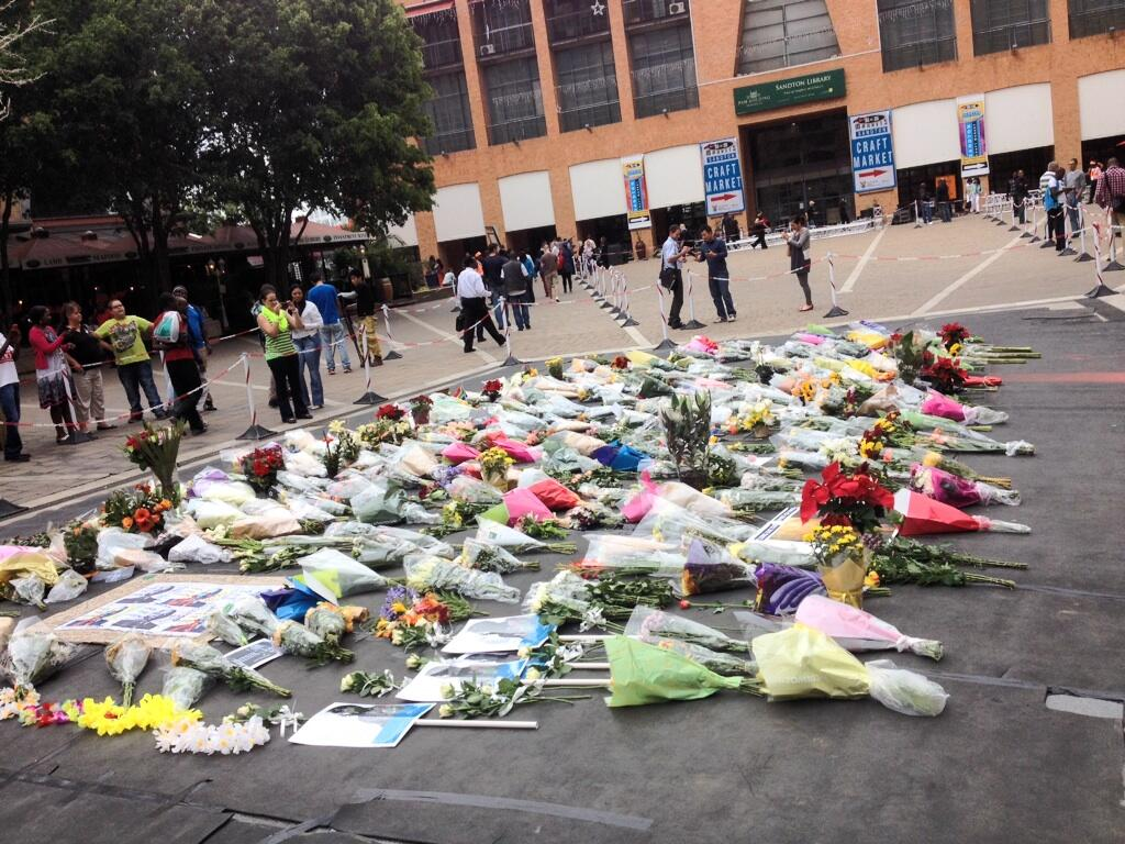Twitter / ewnreporter: #Mandela More flowers being ...