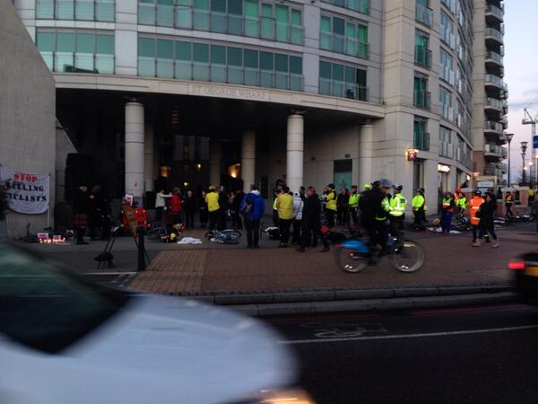 "#cyclinginlondon. Just past protest at Vauxhall Bridge.  ""We want to ride our bikes but don't feel safe"" http://t.co/rENr9A7Nao"
