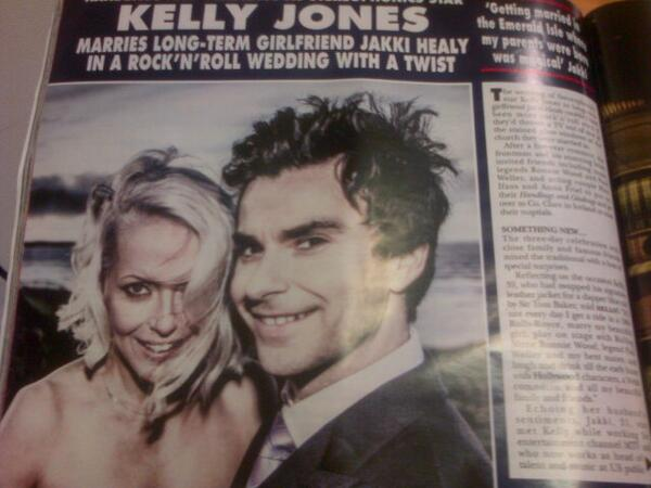 Summersby Media On Twitter Loving Kelly Jones Hair In Hellomag This Week Jonnylockonego You Re A Star With Men S Hairdressing