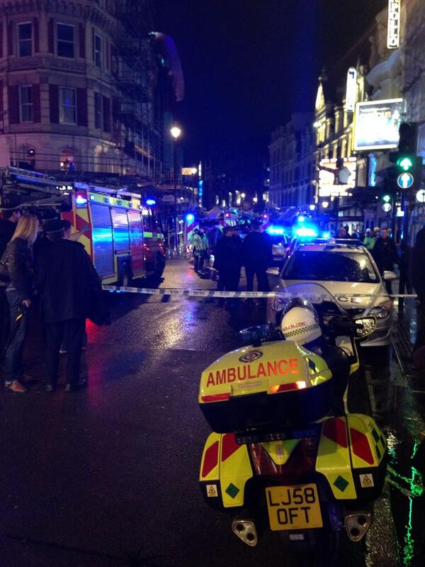 Balcony collapse at the Apollo theatre #Apollotheatre http://t.co/3yXHCsNLel
