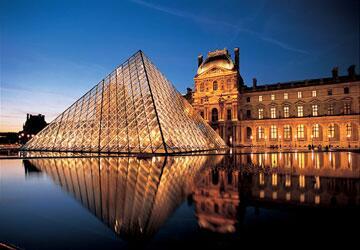 ルーヴル美術館 (フランス)  パリにあるフランスの 国立博物館である。   メトロポリタン美術館 (アメリカ合衆国ニューヨーク)  などと並んで 世界最大級の美術館の1つ。   https://t.co/L9Fp484T1y