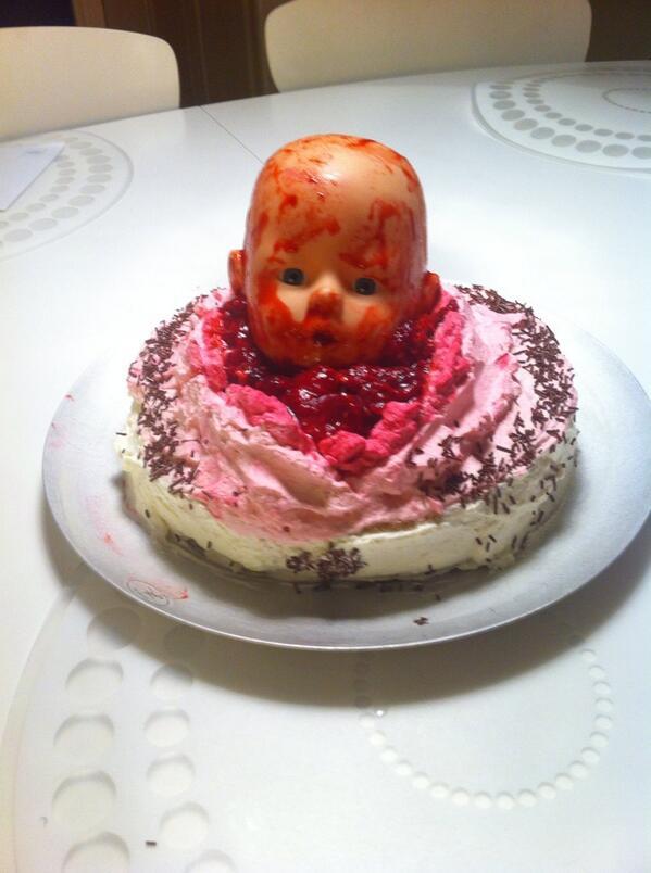 Titti On Twitter Har Gjort Tårta Till Födelsedagsbarnet Httpt