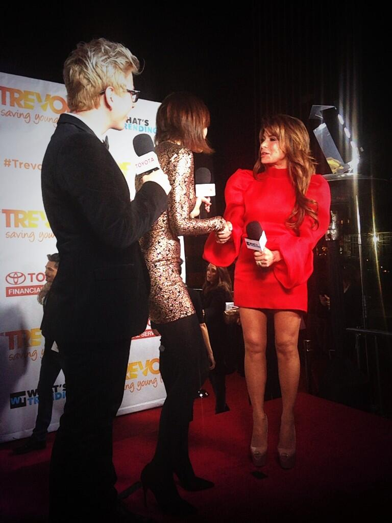 RT @TrevorProject: Hi @PaulaAbdul's mom and sister! #TrevorLive http://t.co/fV9ruxSb4T