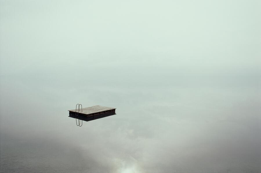 RT @HistoryInPics: A raft rests peacefully on Lake Thun. Switzerland, 1985. http://t.co/yA8JvoNqlb