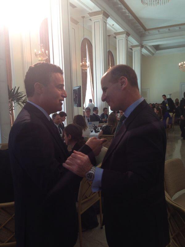 Medellín estrecha lazos de amistad con Costa Rica. Nuestro alcalde dialoga con expresidente José María Figueres. #CGI http://t.co/ebxeFgTBku