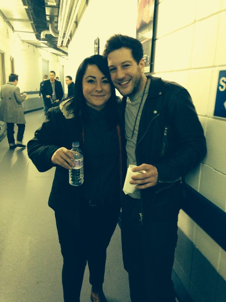 RT @lspraggan: Just met @matt_cardle_uk at #JingleBall2013 and he's my favourite! http://t.co/jl71mjEwKB