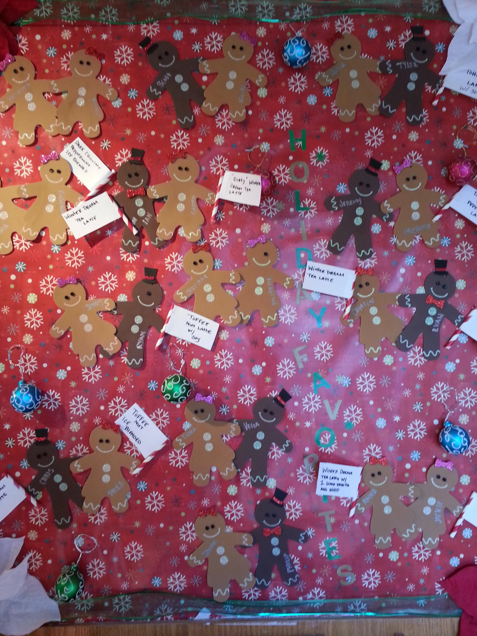 Fun bulletin board at @coffebean featuring staffers' favorite drinks #WGBD http://t.co/sOlPDlKEo7