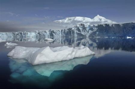 南極でマイナス93度を観測、最低気温を更新 http://bit.ly/IC35lE
