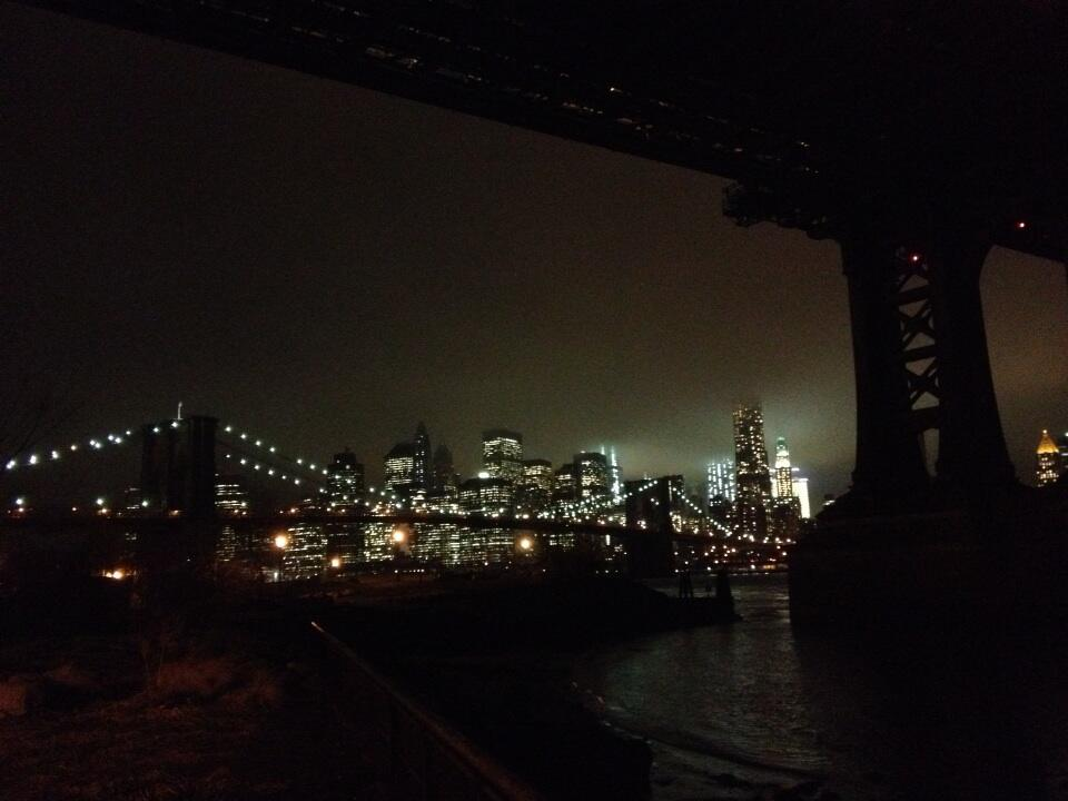 Brooklyn Bridge tonight http://t.co/otqeCNrx4w
