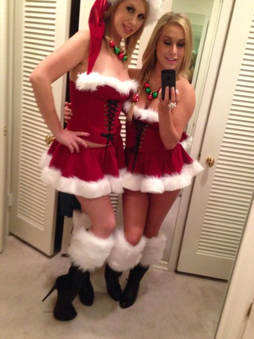 Holiday #MirrorMonday pic from @TaraLynnFoxx and I. #Christmas #sexy #GoodTimes #sexysanta #xxxmas #TeamTLF
