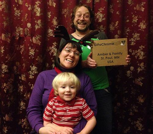 Delighted everyone is getting the box we sent for launch party. A happy family with their box #gifachrome #ds106 http://t.co/oTaN8BqsG0