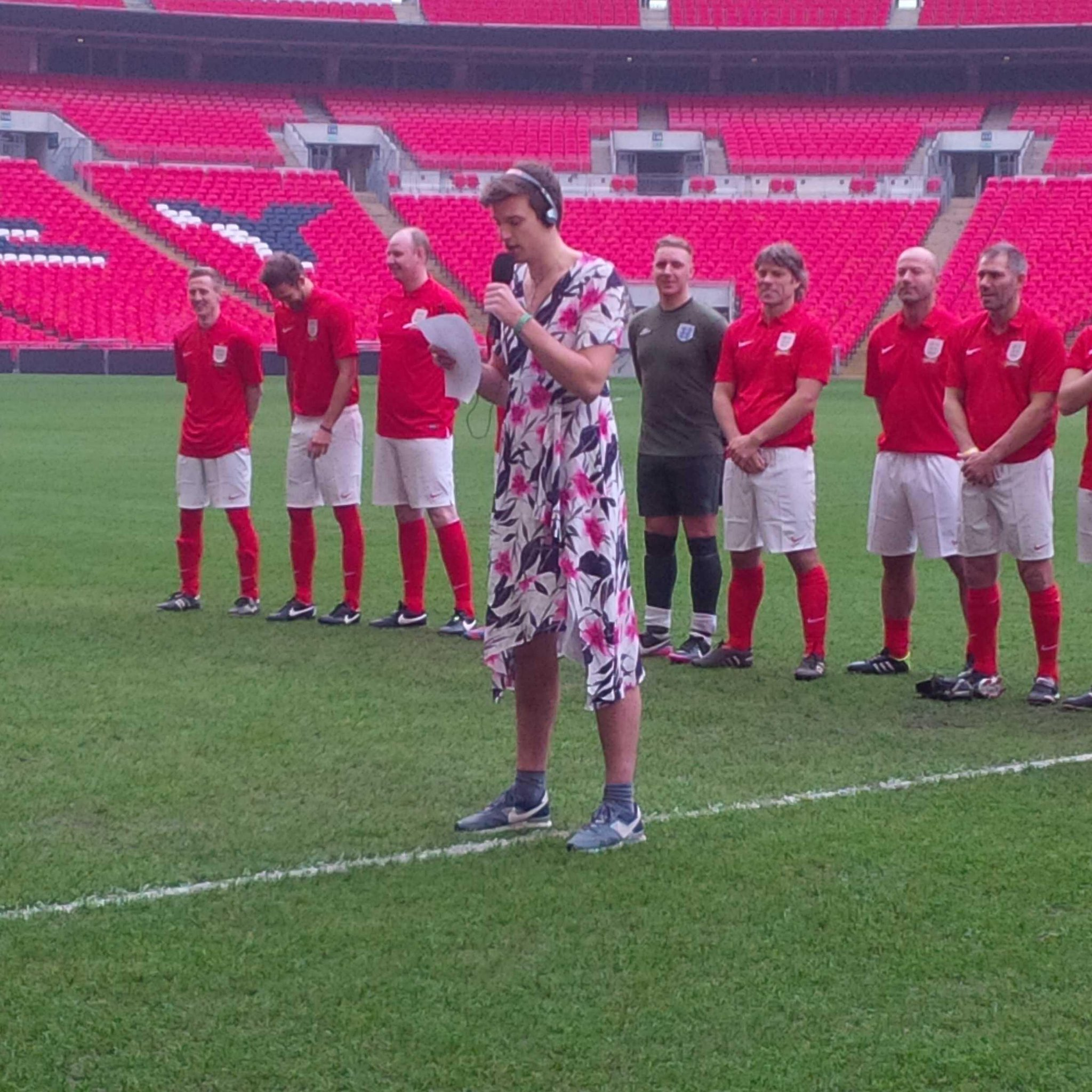 National Anthem being sung by @gregjames http://t.co/WhhHFA3RvW