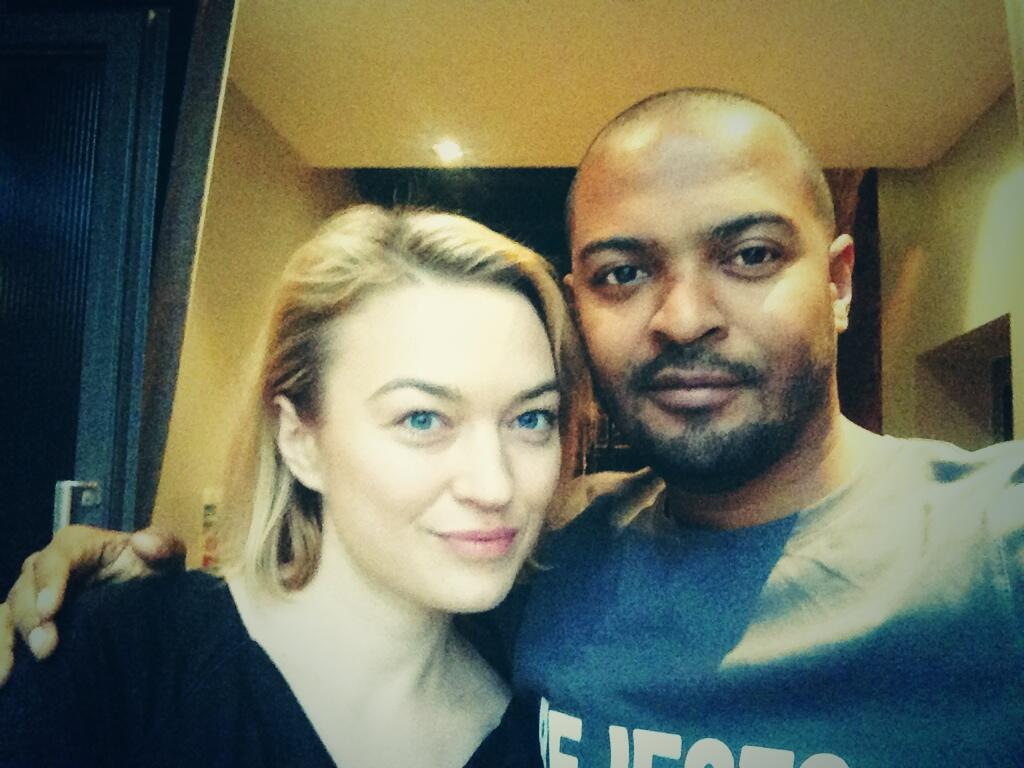 #Whovians the #GITFP Transformers lead, n mate @SophiaMyles n I gassing about what we've accomplished since #Who http://t.co/uCzCgfPEkJ