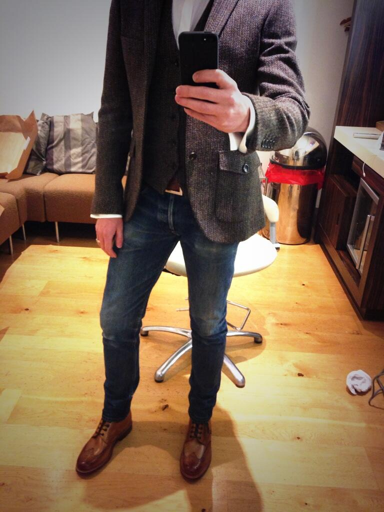 All set. Jacket and waistcoat by @topmanUK and new boots from @grensonshoes!!! Skinny legs courtesy of @imacelebrity http://t.co/LiiGow8kP4