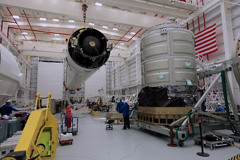 Lancement Antares - Cygnus.2 (Orb.1) - 09 Janvier 2014 BbI3Ak0CUAA-Nj8