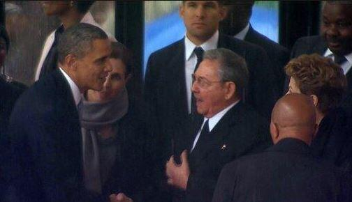 Twitter / itsumiruikjhrs: #MandelaMemorial Obama shakes ...