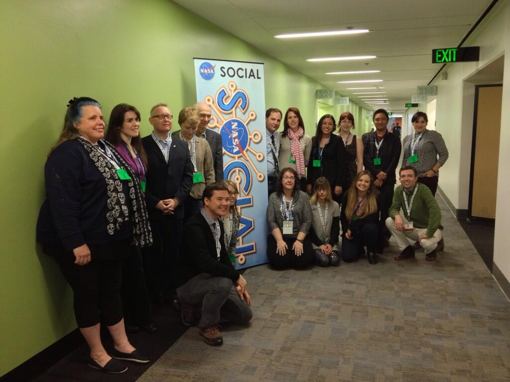 Twitter / NASASocial: Group photo time! #AGU13 ...