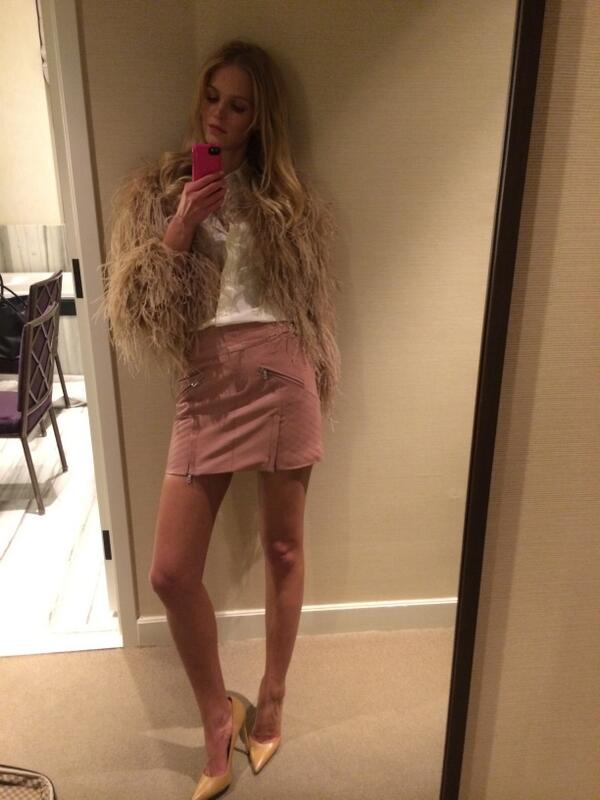 All you need to strut your stuff is great hair and great shoes! #getnaked #VSFashionShow http://t.co/pYqHXeEc8B