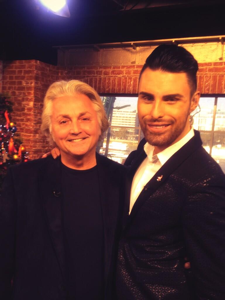 RT @David_Emanuel: Look everybody it's @Rylan !!! Makes DE look short!! http://t.co/Bc4YRPnjds