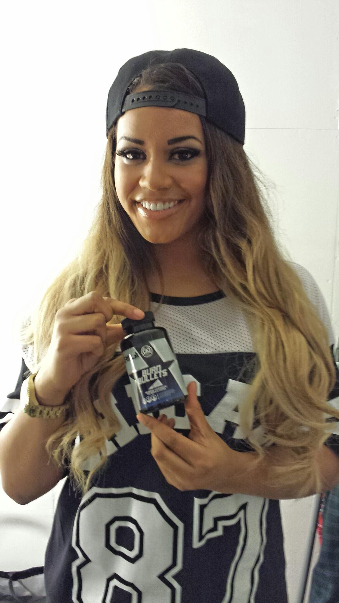 RT @GrillaFitness: Lateysha Grace @LateyshaValleys @Latfrom MTV The Valleys with her #BurnBullets today http://t.co/l5wFF1mtiG